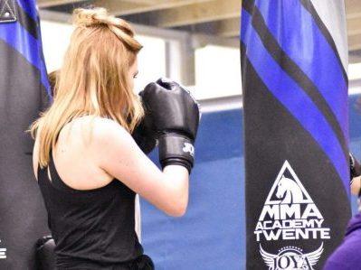 Kickboksen voor vrouwen in Enschede